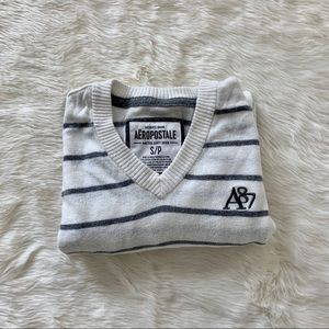 Aeropostale vneck striped men's sweater